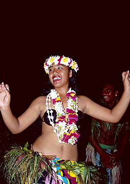 Polynesian dancer dressed in traditional costume, Aitutaki, Cook Islands, Polynesia, South Pacific, Pacific