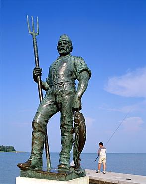 Fisherman statue, Balatonfured, Lake Balaton, Hungary, Europe