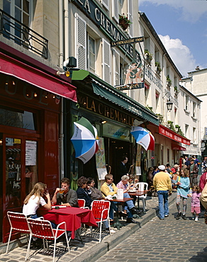 Outdoor cafe and brasserie, Montmartre, Paris, France, Europe