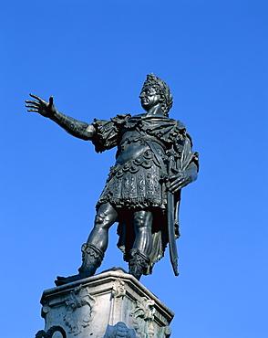 Statue of the Emperor Augustus (Augustusbrunnen), Augsburg, Bavaria, Romantic Road (Romantische Strasse), Germany, Europe