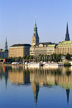 City skyline and Binnenalster Lake, Hamburg, Schleswig-Holstein, Germany, Europe