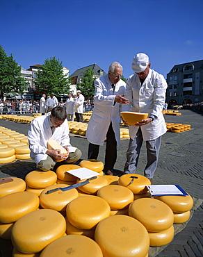 Cheese buyers, Cheese Market, Alkmaar, Holland (Netherlands), Europe