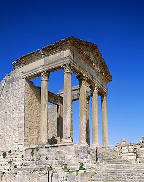 Roman ruins, Capitolano, Dougga, UNESCO World Heritage Site, Tunisia, North Africa, Africa