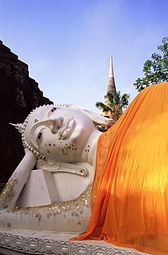 Reclining Buddha statue at Wat Yai Chai Mongkhon, Ayutthaya Historical Park, UNESCO World Heritage Site, Ayutthaya, Thailand, Southeast Asia, Asia