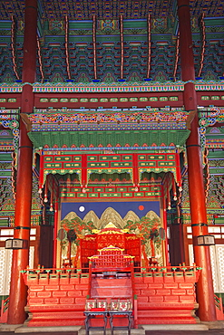Interior of Geunjeongjeon Throne Hall, Gyeongbokgung Palace, Seoul, South Korea, Asia
