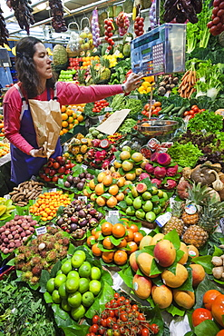 Fruit stall display, La Boqueria Market, The Ramblas, Barcelona, Catalonia, Spain, Europe