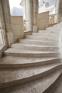 Grand Staircase, Blois Castle, UNESCO World Heritage Site, Blois, Loir et Cher, Loire Valley, France, Europe