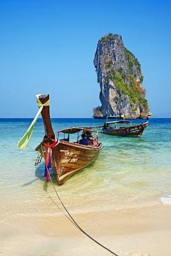 Ao Phra Nang Bay, Ko Poda Island, Krabi Province, Thailand, Southeast Asia, Asialots of beach clean up