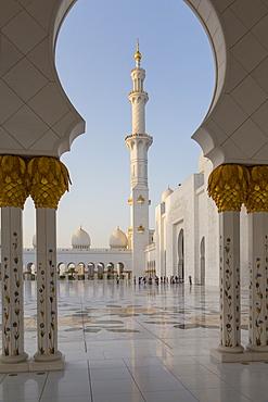Inside the Sheikh Zayed Grand Mosque, Abu Dhabi, United Arab Emirates, Middle East