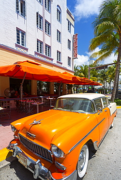 Ocean Drive and Art Deco architecture and classic vintage car, Miami Beach, Miami, Florida, United States of America, North America