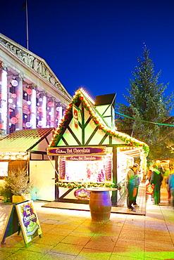 Council House and Christmas Market, Market Square, Nottingham, Nottinghamshire, England, United Kingdom, Europe