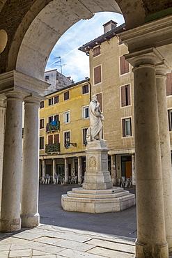 View of statue in Piazzetta Palladio next to Palladian Basilica, Vicenza, Veneto, Italy, Europe