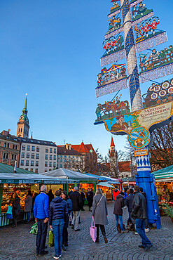 View of Viktualienmarkt at Christmas, Munich, Bavaria, Germany, Europe