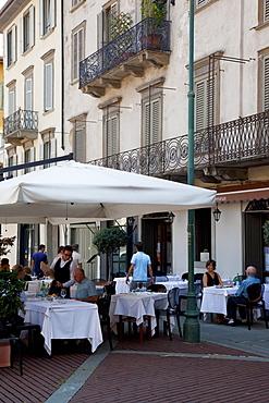 Restaurant, Piazza Vecchia, Bergamo, Lombardy, Italy, Europe