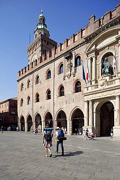 Palazzo D'Accursio (Palazzo Comunale) (Town Hall), Piazza Maggiore, Bologna, Emilia-Romagna, Italy, Europe