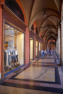 Arcade, Piazza Maggiore, Bologna, Emilia Romagna, Italy, Europe