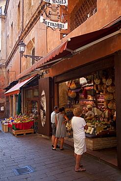 Shops in side street, Piazza Maggiore, Bologna, Emilia Romagna, Italy, Europe