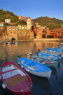 The Harbour at sunset in Vernazza, Cinque Terre, UNESCO World Heritage Site, Liguria, Italy, Mediterranean, Europe