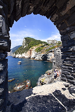 Window overlooking Byrons Grotto from the Church of St. Peter in Porto Venere, Cinque Terre, UNESCO World Heritage Site, Liguria, Italy, Mediterranean, Europe