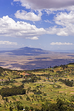 Mount Longonot and the escarpments of the Rift Valley, Kenya, East Africa, Africa