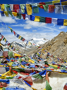 Prayer flags at Khardung La mountain pass. the highest road pass in the world, Ladakh, Himalayas, India, Asia