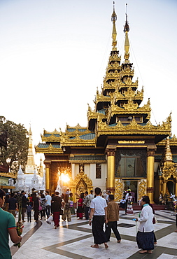 Sunset at Shwedagon Pagoda, Yangon (Rangoon), Myanmar (Burma), Asia