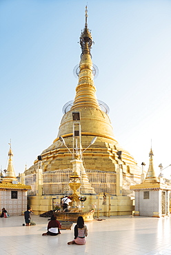 Dawn at Botahtaung Pagoda, Yangon (Rangoon), Myanmar (Burma), Asia