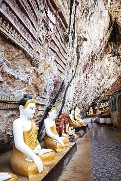 Statues of Buddha, Kaw Gon Cave, Hpa-an, Kayin State, Myanmar (Burma), Asia