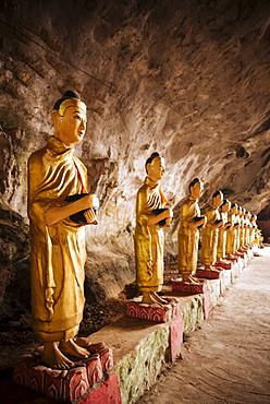 Buddha statues inside Sa-dan Cave near Hpa-an, Kayin State, Myanmar (Burma), Asia