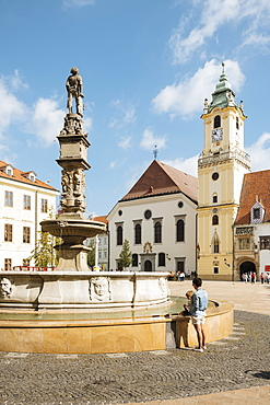 Roland's Fountain and The Town Hall, Old Town, Bratislava, Slovakia, Europe