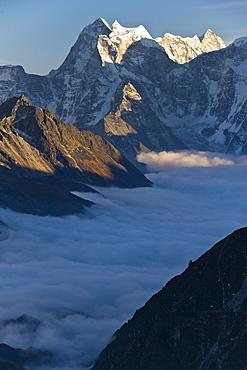 Kantega, 6685 metres, Dudh Kosi Valley, Solu Khumbu (Everest) Region, Nepal, Himalayas, Asia