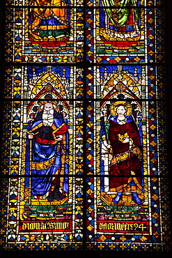 Stained glass windows in the Basilica di Santa Maria del Fiore (Florence Cathedral), UNESCO World Heritage Site, Florence, Tuscany, Italy, Europe