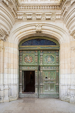 The beautifully decorated entrance door to the chateau at Chenonceau, Indre et Loire, Loire Valley, France, Europe