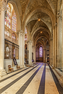 Interior of Saint Gatien cathedral, Tours, Indre-et-Loire, Centre, France, Europe