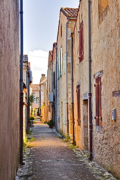 The narrow streets of Monpazier, one of the Beaux Villages de France, Dordogne, France, Europe