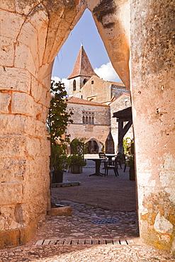 Eglise Saint Dominique in the village of Monpazier, one of the Beaux Villages de France, Dordogne, France, Europe