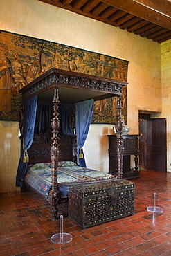 The bedroom of Catherine de Medici in the Chateau at Chaumont-sur-Loire, UNESCO World Heritage Site, Loire Valley, Loir-et-Cher, Centre, France, Europe