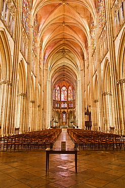 The nave of Saint-Pierre-et-Saint-Paul de Troyes cathedral, in Gothic style, dating from around 1200, Troyes, Aube, Champagne-Ardennes, France, Europe