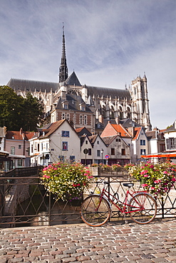 Notre Dame d'Amiens Cathedral, UNESCO World Heritage Site, and the city of Amiens, Somme, Picardy, France, Europe