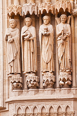 Statues on the west front of Notre Dame d'Amiens Cathedral, UNESCO World Heritage Site, Amiens, Somme, Picardy, France, Europe