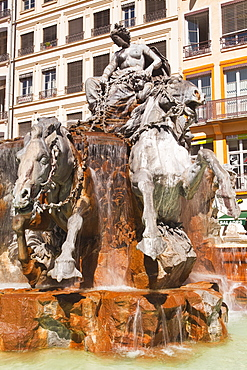 Fontaine Bartholdi in Place des Terreaux, Lyon, Rhone, Rhone-Alpes, France, Europe