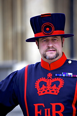 Beefeater at the Tower of London, London, England, United Kingdom, Europe