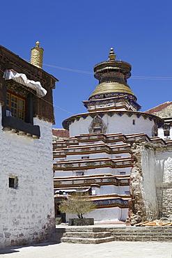 The Kumbum chorten (Stupa) in the Palcho Monastery at Gyantse, Tibet, China, Asia