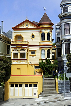 homes houses old wooden houses built in historic Victorian-style Painted Ladies on Alamo Square Alamo Square in San Francisco California United States