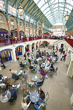 The Apple Market in Covent Garden, London, England, United Kingdom, Europe