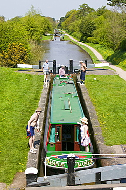 A long boat on the Shropshire Union Canal at Audlem in Cheshire, England, United Kingdom, Europe