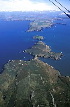 Aerial view of Skomer Island, West Wales, UK     (rr)