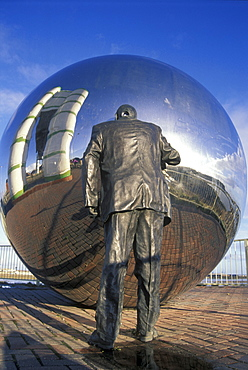 Cardiff Bay, A Private View Sculpture by Kevin Atherton